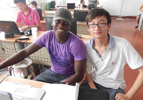外国友人Tj来校学习